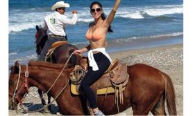 horseback riding ixtapa mexico